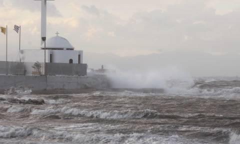 Κακοκαιρία: Έτσι θα «σφυροκοπήσει» την Ελλάδα ο Μεσογειακός Κυκλώνας - Στο «κόκκινο» η Αττική