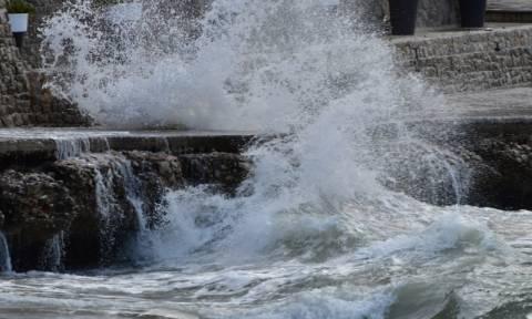Μεσογειακός κυκλώνας: Διακοπή της κυκλοφορίας στην Παλαιά Εθνική Οδό Ελευσίνας - Θήβας