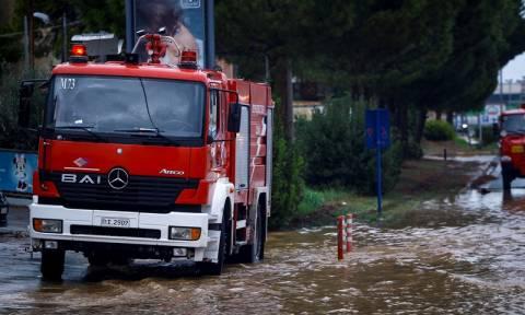 Κυκλώνας Ζορμπάς: Κλειστοί δρόμοι - Πού παρατηρούνται προβλήματα