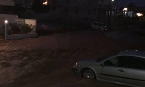 Ζορμπάς: Στο «έλεος» του κυκλώνα η Βόρεια Εύβοια - Αναφορές για εγκλωβισμένους