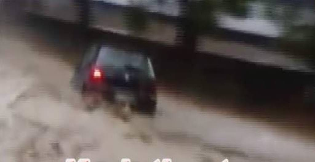 «Ζορμπάς» – Κιάτο: «Θεέ μου, θα πνιγούμε» - Ανατριχιαστικό βίντεο από το χτύπημα του κυκλώνα