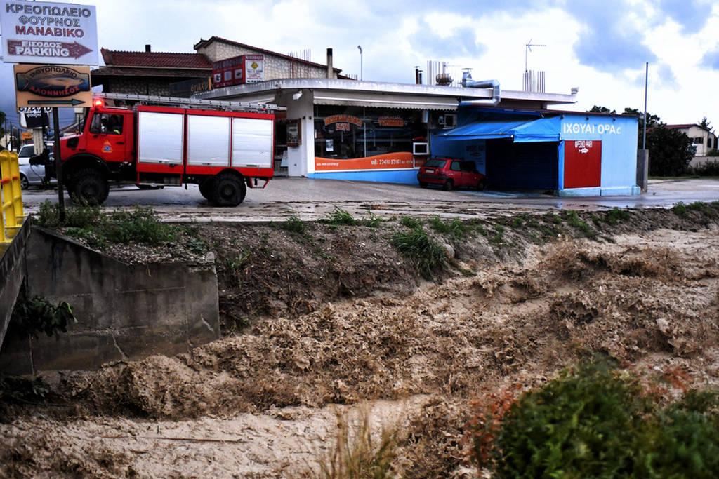 «Ζορμπάς» LIVE: Νέα δεδομένα για τον καταστροφικό κυκλώνα - Πού θα χτυπήσει τις επόμενες ώρες