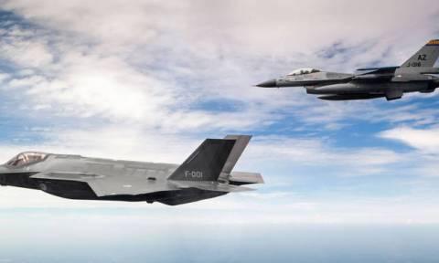 Δύο F16 της Eλληνικής Πολεμικής Αεροπορίας στην εθνική παρέλαση της Κύπρου