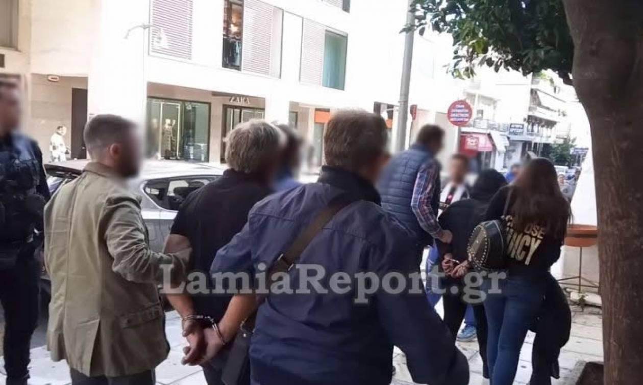 Έγκλημα στην Αρκίτσα: Στα δικαστήρια το «σατανικό» ζευγάρι (vid)
