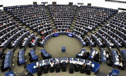 Σε διαθεσιμότητα τρία στελέχη του Ευρωκοινοβουλίου στην Αθήνα