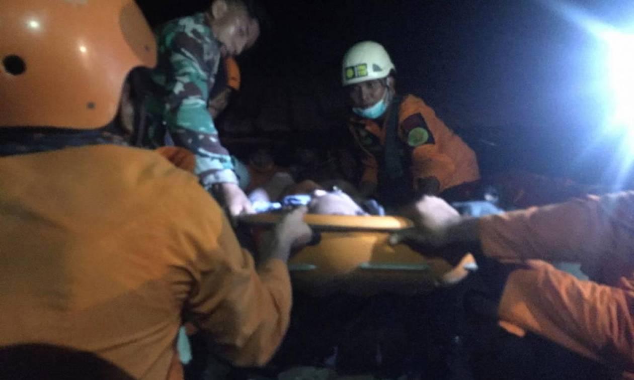 Ινδονησία: 1.200 νεκροί, συντρίμμια και απόγνωση από τα 7,5 Ρίχτερ