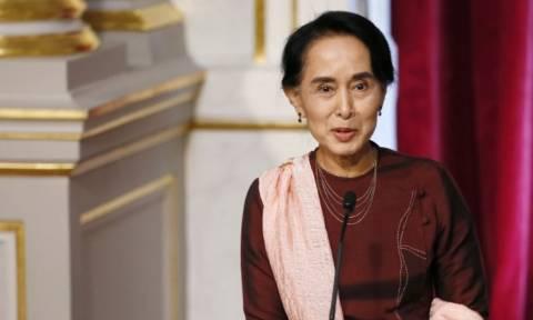 Επιτροπή Νόμπελ: «Λυπηρές» οι ενέργειες της Σου Κι αλλά δεν θα της αφαιρεθεί το βραβείο