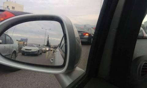 Κίνηση στους δρόμους: Ουρές χιλιομέτρων ΤΩΡΑ στον Κηφισό – Προβλήματα και στο κέντρο της Αθήνας