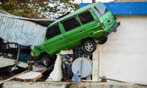 Χάος, πλιάτσικο και εντολή για εκτέλεση όσων λεηλατούν καταστήματα στην Ινδονησία μετά τον σεισμό