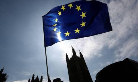 Έκτακτη Σύνοδος Κορυφής για το Brexit με καλεσμένη τη Μέι