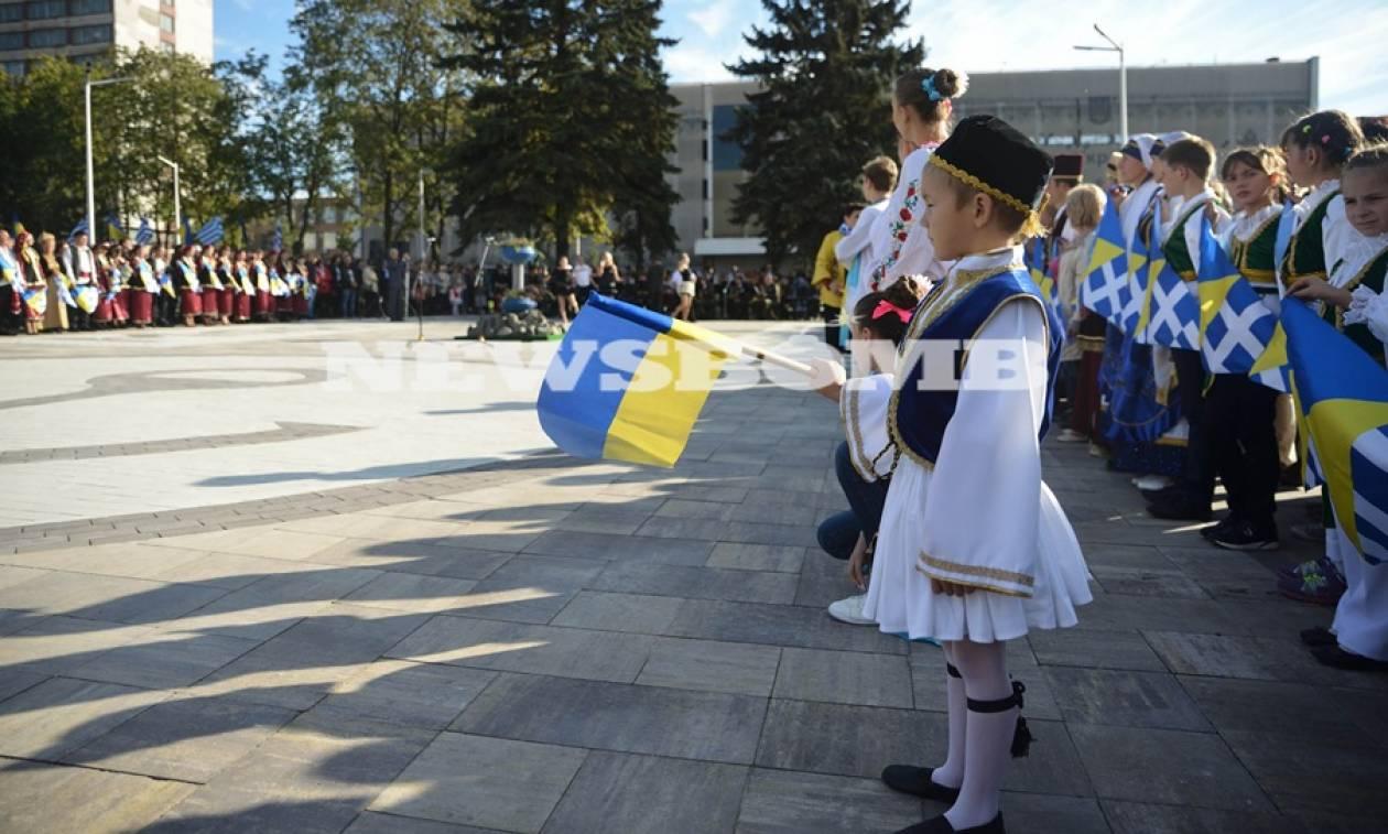 Το Newsbomb.gr στην Ουκρανία: Μια ελληνική πλατεία στο κέντρο της Μαριούπολης
