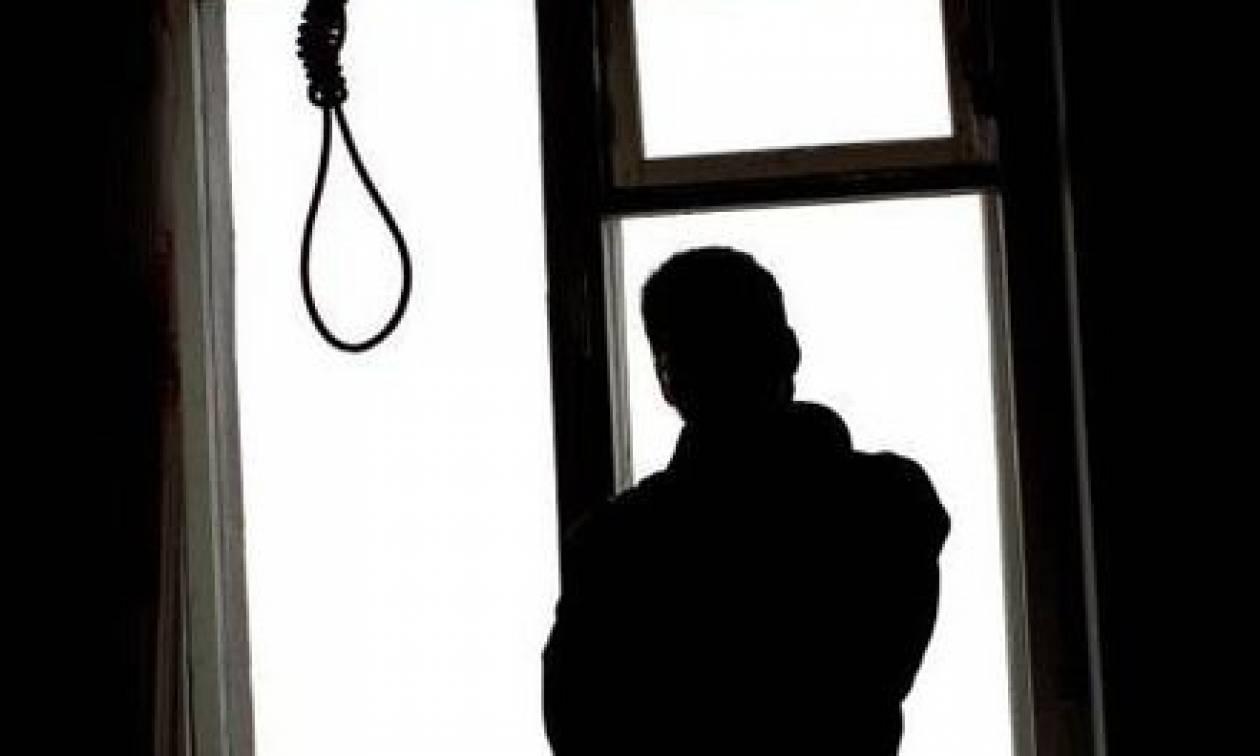 Λακωνία: Κρεμάστηκε πέντε μέρες μετά την αυτοκτονία του πατέρα του - Το μυστικό που «πήραν» μαζί