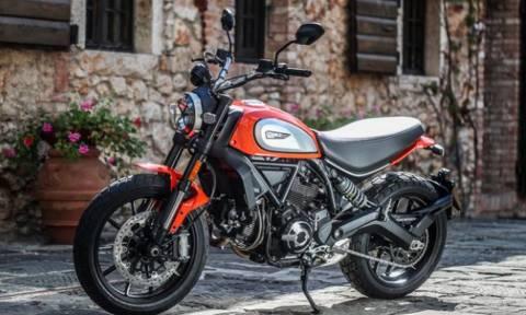 Στάζει Γοητεία: Τρίβουμε τα ματάκια μας με αυτή την ερωτική μοτοσικλέτα! (pics)
