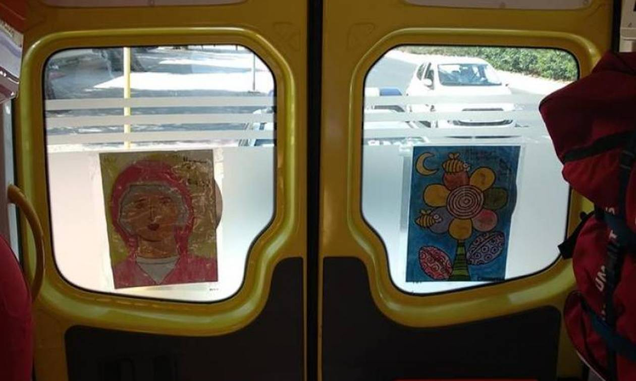 Απομάκρυναν ζωγραφιές παιδιών με την Παναγία για να μην ενοχληθούν οι μετανάστες – Σάλος στην Κρήτη