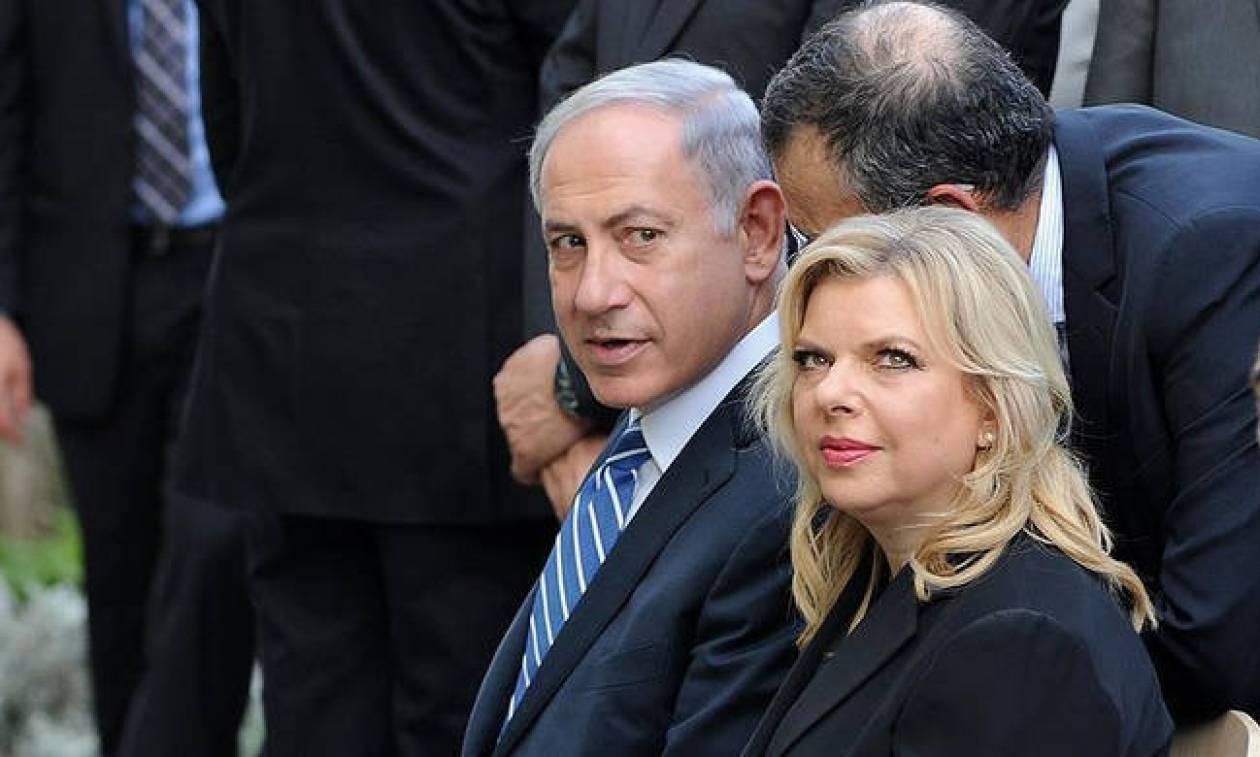 Γερό «στραπάτσο» για τον Νετανιάχου: «Σέρνουν» στα δικαστήρια τη γυναίκα του για απάτη