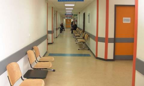 Κρήτη: Ώρες αγωνίας για 28χρονο που πνίγηκε από σουβλάκι