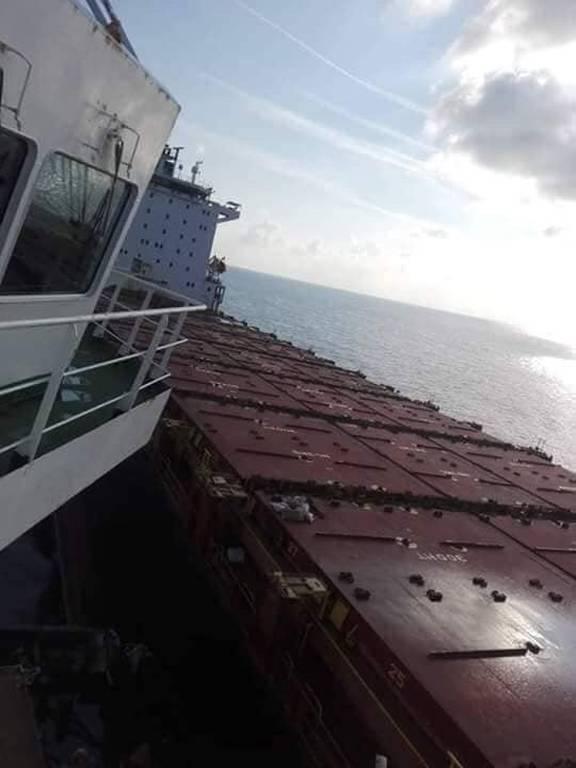 Σύγκρουση πλοίων ανοικτά της Κορσικής - Μεγάλη διαρροή καυσίμων (pics)