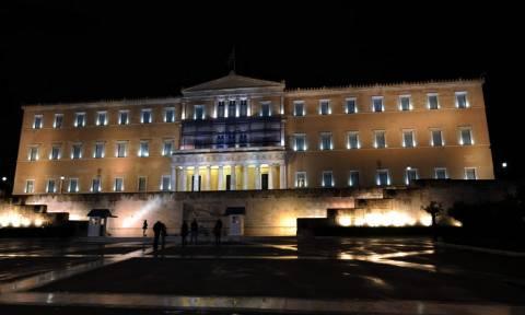 Τρελή καταδίωξη στην Αθήνα: Μεθυσμένος οδηγός εισέβαλε με το όχημά του στο προαύλιο της Βουλής