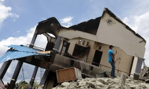 Ανείπωτη τραγωδία στην Ινδονησία: Τουλάχιστον 2.000 οι νεκροί - Χιλιάδες αγνοούμενοι (pics+vids)