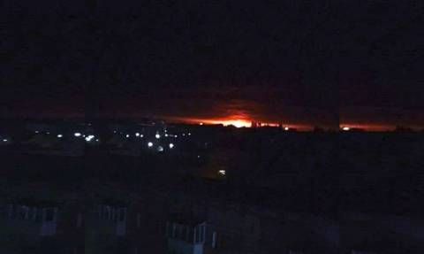 Συναγερμός στην Ουκρανία: Μεγάλη έκρηξη σε αποθήκη πυρομαχικών - Απομακρύνονται πολίτες (pics&vid)