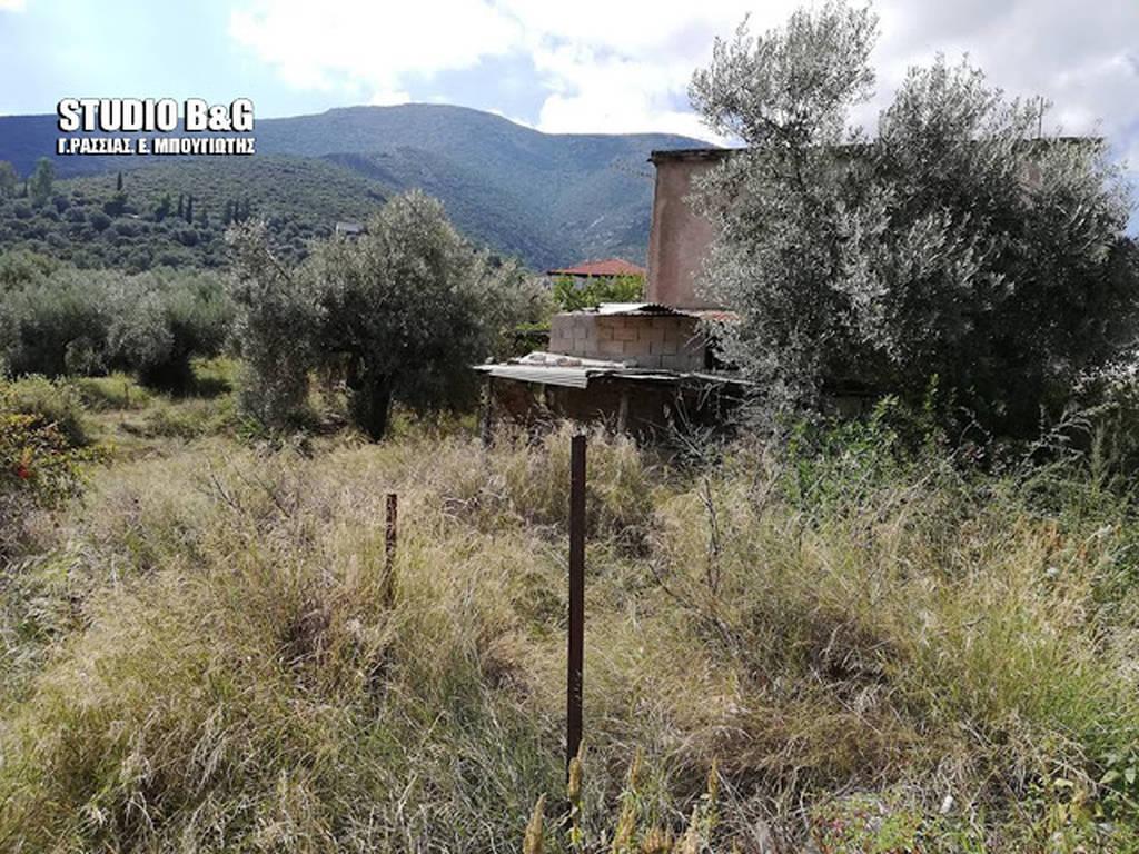 Άγρια δολοφονία στο Άργος: Βρέθηκε μαχαιρωμένος μέσα στο σπίτι του
