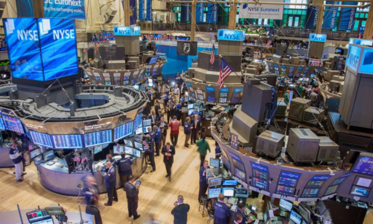 Μικτά πρόσημα στη Wall Street - Νέες απώλειες για τον S&P 500