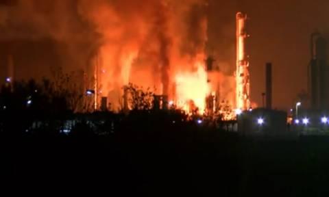 Οκτώ τραυματίες από την έκρηξη στο διυλιστήριο πετρελαίου της Βοσνίας (vid)
