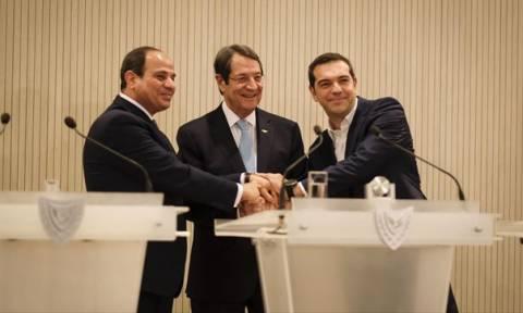 Τριμερής συμμαχία: Στην Κρήτη Τσίπρας, Αναστασιάδης και Αλ Σίσι