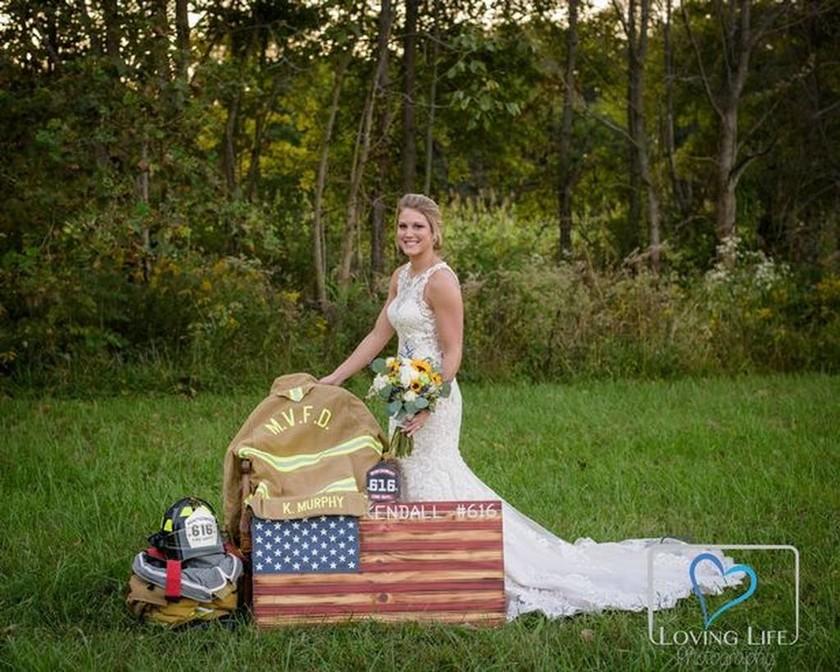 Η φωτογραφία της νύφης που συγκίνησε όλο τον πλανήτη: Δεν πρόλαβε να τον παντρευτεί ποτέ...