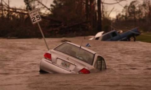 ΗΠΑ: Φόβοι για «εκατόμβη» νεκρών από τον τυφώνα-τέρας Μάικλ – Αγνοούνται 1300 άνθρωποι (Vids)