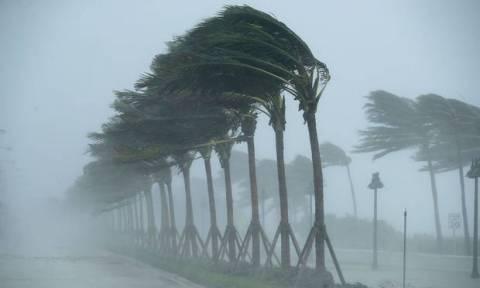 Έρχεται «βιβλική καταστροφή»: Ο τυφώνας–τέρας Μάικλ χτυπά με μανία τη Φλόριντα
