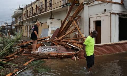 Σάρωσε τη Φλόριντα ο τυφώνας Μάικλ: Ένας νεκρός και τεράστιες καταστροφές (pics+vid)