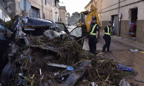 Εικόνες Αποκάλυψης στη Μαγιόρκα: Στους 12 οι νεκροί από τις φονικές πλημμύρες (vids+pics)
