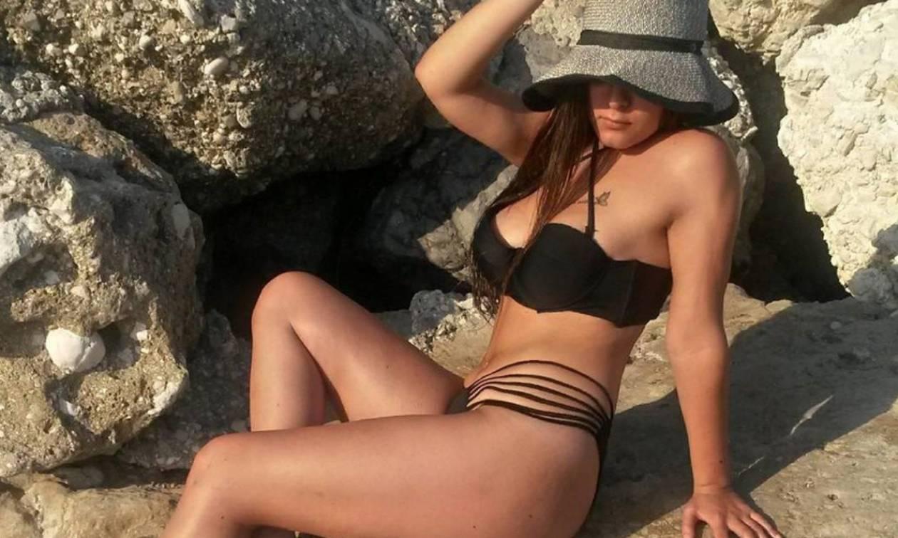 Καυτή Ελληνίδα φοιτήτρια κολάζει με τις πόζες της! (photos)