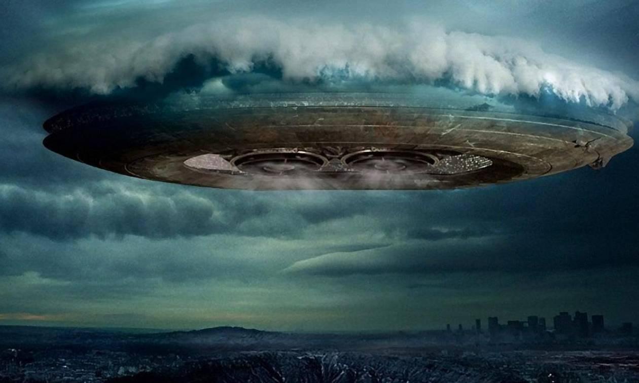 Σάλος από την αποκάλυψη επιστημόνων: Εξωγήινοι επικοινωνούν με τη Γη στέλνοντας αόρατα φλας;