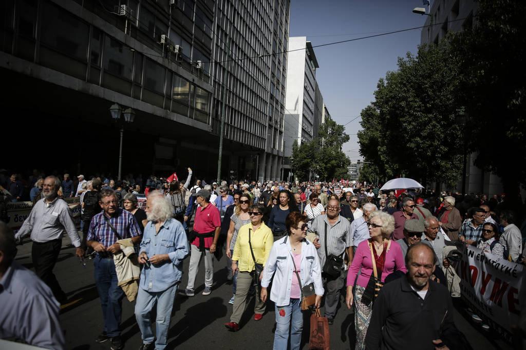 Πώς με μια αίτηση οι συνταξιούχοι μπορούν να διεκδικήσουν έως 19.600 ευρώ