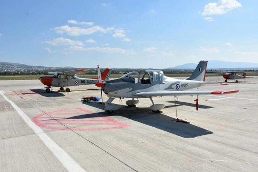 Προσγειώθηκε στο Τατόι το πρώτο εκπαιδευτικό αεροσκάφος P-2002JF (pics)