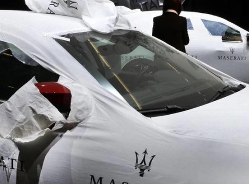Κακός χαμός! Ποια φτωχή χώρα αγόρασε 40 Maserati για τη μεταφορά ηγετών; (pics)
