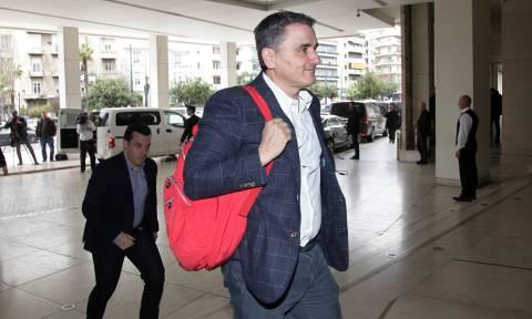 Επιστρέφουν οι Θεσμοί στην Αθήνα: Στο «μικροσκόπιο» οι τράπεζες