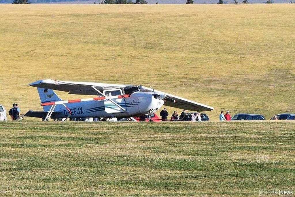 ΕΚΤΑΚΤΟ: Τραγωδία στη Γερμανία: Αεροπλάνο τσέσνα έπεσε σε πλήθος – Τουλάχιστον τρεις νεκροί