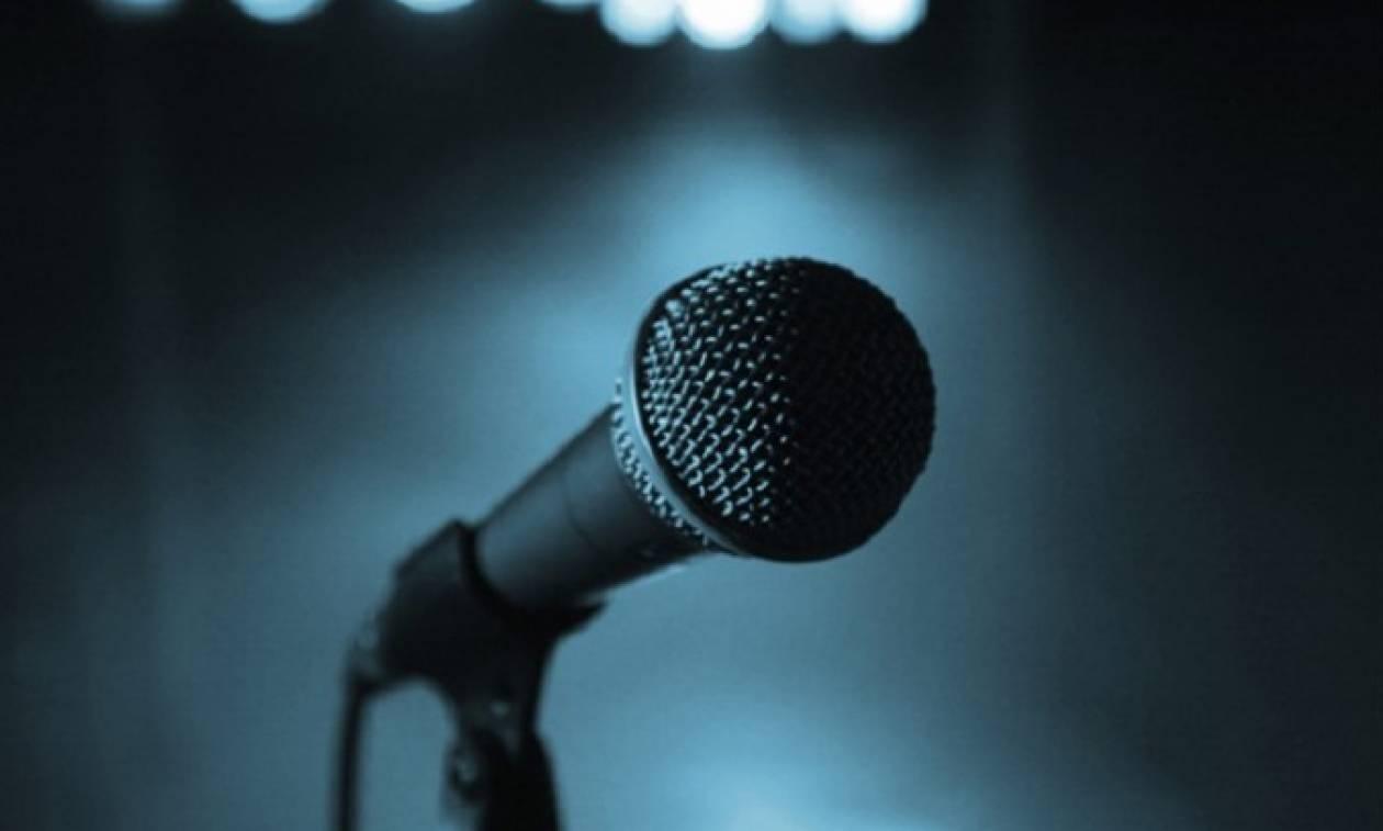 Διάσημος τραγουδιστής δικάζεται για «βιασμό» 19χρονης στην Ελλάδα