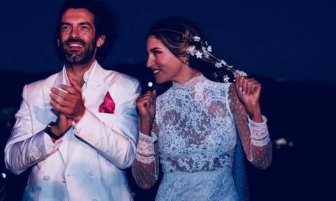 Αυτή είναι η μόνη φωτογραφία που δεν έχεις δει από τον γάμο της Αθηνάς Οικονομάκου