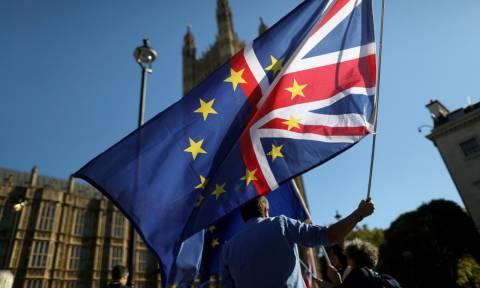 Brexit: Διακόπηκαν προσωρινά οι διαπραγματεύσεις - Υπήρξε πρόοδος αλλά παραμένουν ανοικτά ζητήματα
