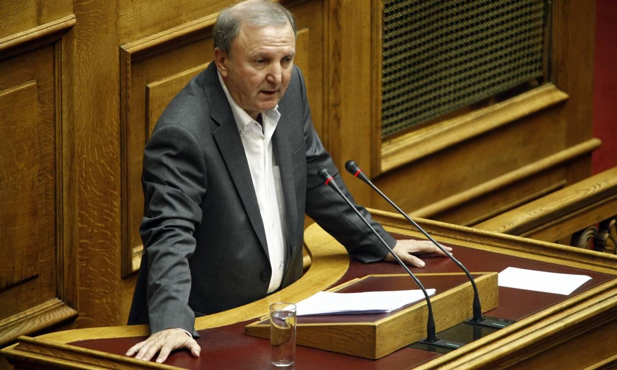 Σάκης Παπαδόπουλος στο Newsbomb.gr: Σοβαρό πρόβλημα για την κυβέρνηση ο Καμμένος