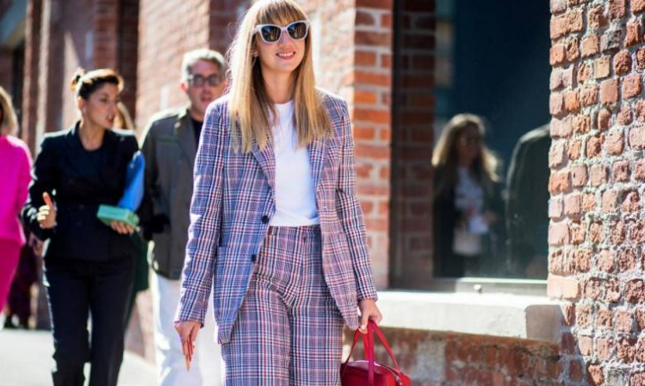 Πώς φοράνε το κοστούμι στο street style αγαπημένα fashion girls