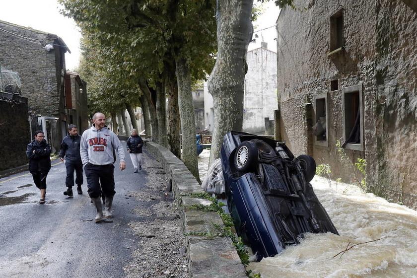 Γαλλία: Αναβάλλεται ο ανασχηματισμός λόγω της φονικής κακοκαιρίας (Pics)