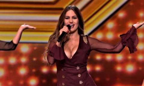 Ετών 24, κορμί «θανατηφόρο»: Η εντυπωσιακή Ελληνίδα που σαρώνει στο βρετανικό X Factor (pics)