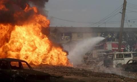 Τραγωδία στη Νιγηρία: 60 νεκροί από πυρκαγιά σε πετρελαιαγωγό