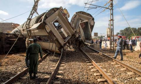 Τραγωδία στο Μαρόκο: Εκτροχιάστηκε τρένο με δεκάδες επιβάτες – Τουλάχιστον επτά νεκροί (pics+vid)