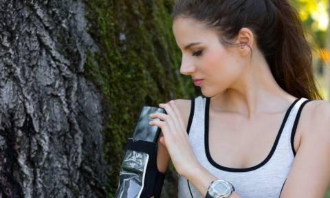 Ξεχάστε τις πρίζες και τα powerbanks: Σύντομα θα φορτίζετε το κινητό σας με την κίνηση του σώματος